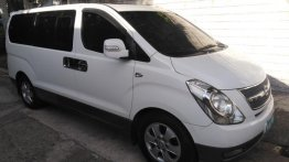 Selling 2nd Hand (Used) Hyundai Starex 2010 Automatic Diesel in Manila
