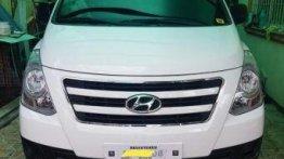 Selling Hyundai Grand Starex 2018 Manual Diesel in Navotas