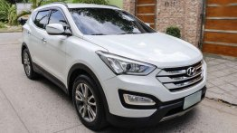 Selling 2nd Hand Hyundai Santa Fe 2014 in Marikina