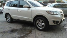 White Hyundai Santa Fe 2012 Automatic Diesel for sale in Manila