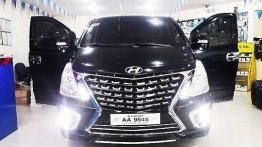 Selling Black Hyundai Grand Starex 2018 for sale