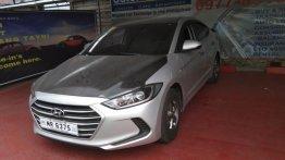 Selling Silver Hyundai Elantra 2017 at 18000 km in Parañaque
