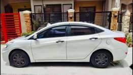 Selling Hyundai Accent 2011 at 70000 km in Cavite City