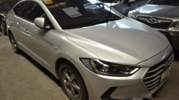 Silver Hyundai Elantra 2017 at 4000 km for sale