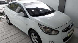 2nd Hand Hyundai Accent 2011 Automatic Gasoline for sale in San Fernando