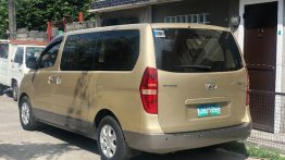 2nd Hand Hyundai Starex 2010 at 116000 km for sale in Caloocan