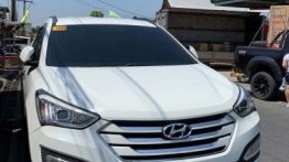 2nd Hand Hyundai Santa Fe 2014 at 77000 km for sale