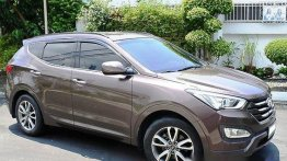 Selling Brown Hyundai Santa Fe 2013 Automatic Diesel at 69000 km
