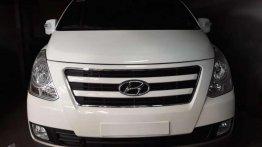 Sell 2016 Hyundai Grand Starex in Manila