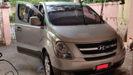 Sell 2009 Hyundai Starex in Parañaque