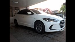 Selling Hyundai Elantra 2018 Sedan in Batangas City