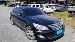 Sell 2013 Hyundai Genesis in Pasig