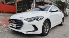 Selling White Hyundai Elantra 2018 in Quezon City