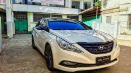 Sell White 2011 Hyundai Sonata in Manila