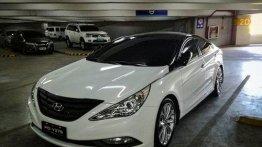Sell White 2011 Hyundai Sonata at 69000 km