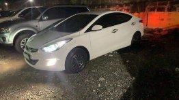 Selling White Hyundai Elantra 2011 at 127000 km