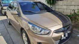 Selling Beige Hyundai Accent 2012 in Manila