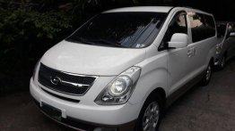 White Hyundai Grand starex 2014 for sale in Manila