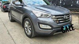 Selling Grey Hyundai Santa Fe 2013 in Manila