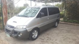 Selling Silver Hyundai Starex 2001 in Manila