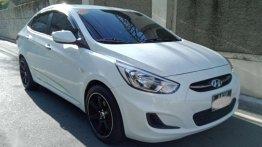 White Hyundai Accent 2016 for sale in Legaspi Park
