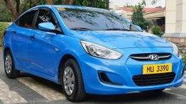 Selling Blue Hyundai Accent 2018 in Manila