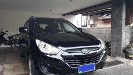 Selling Black Hyundai Tucson 2012 SUV / MPV in Quezon City