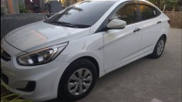 Sell White 2017 Hyundai Accent Sedan in Quezon City