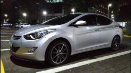 Selling Silver Hyundai Elantra 2012 Sedan in Quezon City