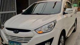 White Hyundai Tucson 2013 SUV / MPV for sale in Taytay