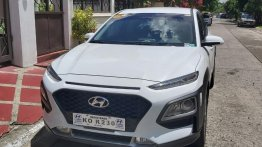 Selling White Hyundai KONA in Manila