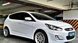 Purple Hyundai Accent 2013 for sale in Quezon City