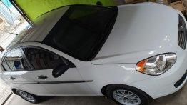 Sell White Hyundai Accent in Manila