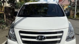Sell White 2016 Hyundai Grand starex in Manila