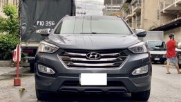 Sell Grey 2013 Hyundai Santa Fe in Manila