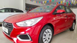 Selling Red Hyundai Accent in Quezon City
