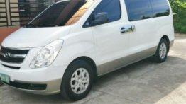 White Hyundai Grand starex for sale in Manila
