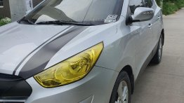 Sell Birghtsilver 2012 Hyundai Tucson in Bacoor