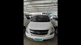 Sell White 2013 Hyundai Grand Starex Van Automatic at 97382 km in Las Piñas City