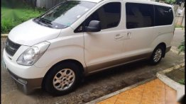 White Hyundai Grand Starex 2010 for sale in Quezon City