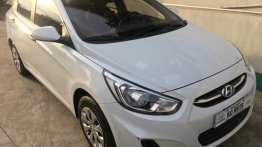 Sell White 2019 Hyundai Accent in Valenzuela