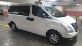 White Hyundai Grand starex 2013 for sale in Manila