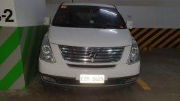 Sell White 2015 Hyundai Grand starex in Pasig