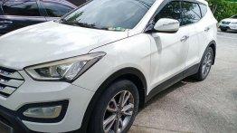 Sell Pearl White 2013 Hyundai Santa Fe in Manila
