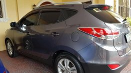Selling Silver Hyundai Tucson in Angeles