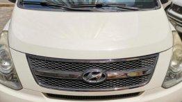 Selling White Hyundai Grand Starex 2011 in Manila