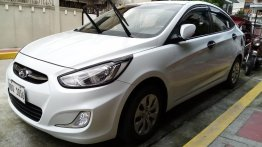 Selling Pearl White Hyundai Accent 2019 in Manila