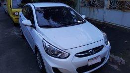 Selling White Hyundai Accent 2004 in Manila