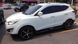 White Hyundai Tucson 2010 for sale in Dasmarinas