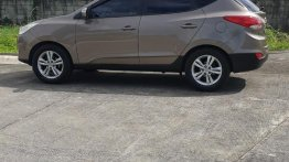 Selling Silver Hyundai Tucson 2011 in Quezon City